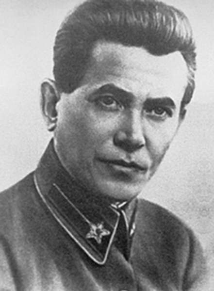 biografia-politica-di-ezov