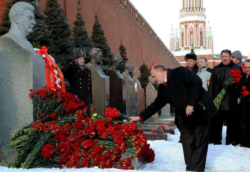 i-comunisti-all-opposizione-di-putin2